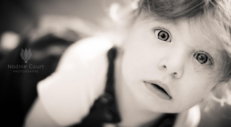 Portrait d'enfant : Nine et ses 18 mois tout juste
