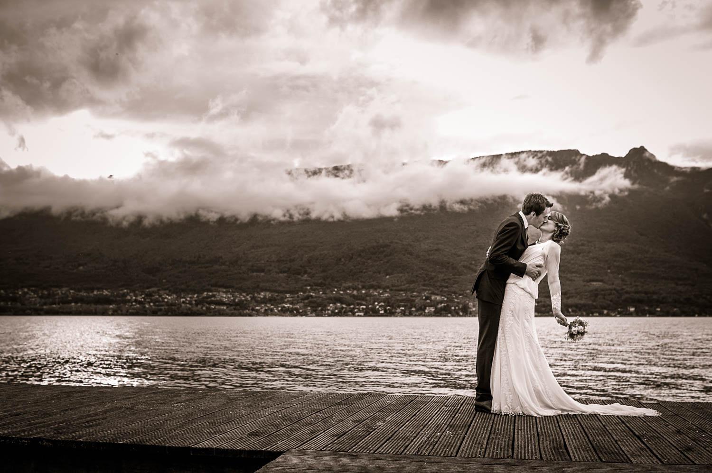 Photos de couple de mariés au lac du Bourget