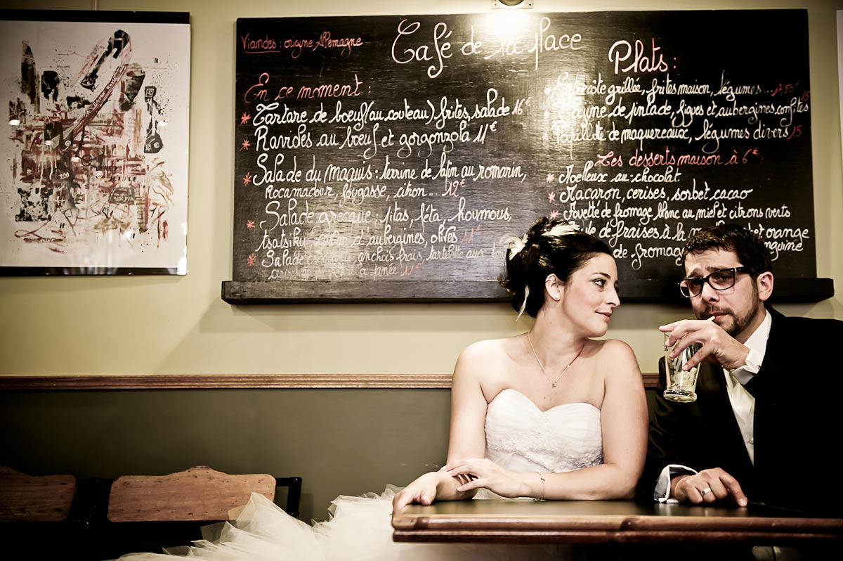 Photo de couple : Delphine & Cédric au Café de la Place à Chambéry