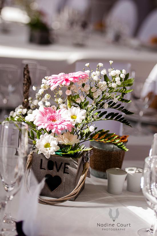 fleur mariage table cool fleurs mariage u ides de dco de table bouquet de marie et autres with. Black Bedroom Furniture Sets. Home Design Ideas