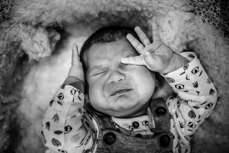 foto de Reportage documentaire de famille : photos de nouveau-né à domicile